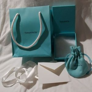 Tiffany & Co. Small gift set. Small box pouch
